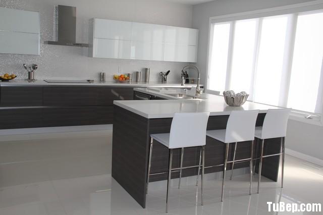 11df80b823hiep 3.jpg Tủ bếp gỗ Acrylic màu trắng kết hợp vân gỗ chữ I TVT0522