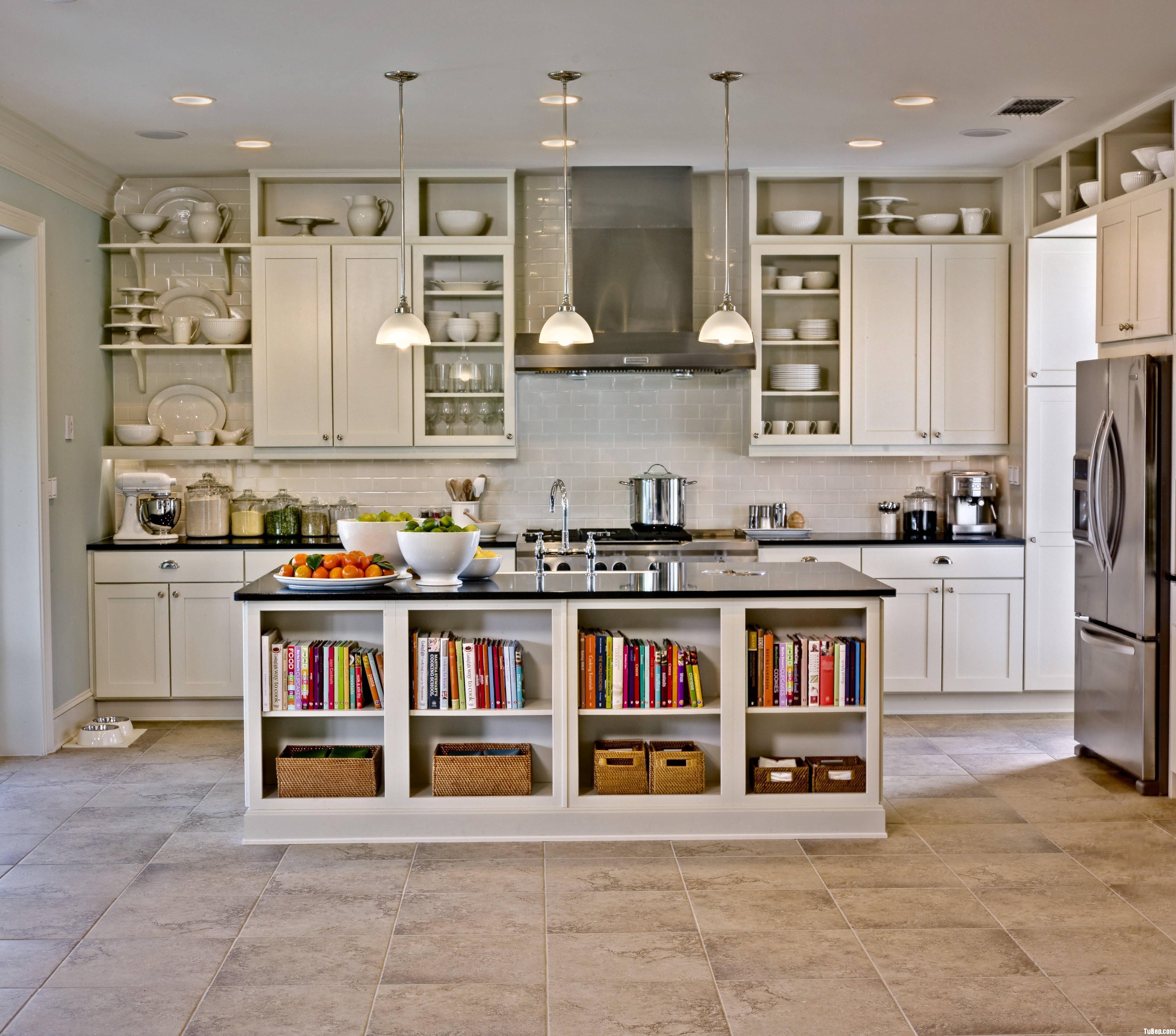 695d36b91ahiên2.jpg Tủ bếp gỗ tự nhiên sơn men trắng có đảo – TVB675