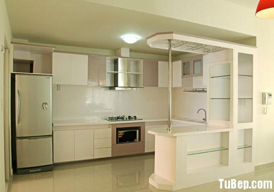 2e62f2c80b13.jpg Tủ bếp gỗ Laminate chữ L màu trắng phối nâu TVT0772