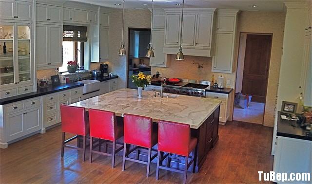 9c3c4713f6BCVBGV2.jpg2 Tủ bếp gỗ tự nhiên – TVN899