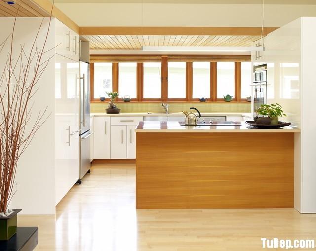 3bced85ae61410.jpg Tủ bếp gỗ Acrylic chữ L màu trắng phối vân gỗ có đảo – TVB0901