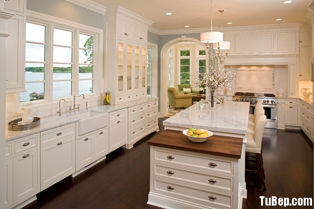 5bf550553a1591.jpg1 Tủ bếp gỗ tự nhiên sơn men trắng có đảo TVT0889