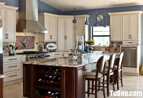 c86206e6d1iên11.jpg Tủ bếp gỗ tự nhiên sơn men trắng có đảo – TVB817