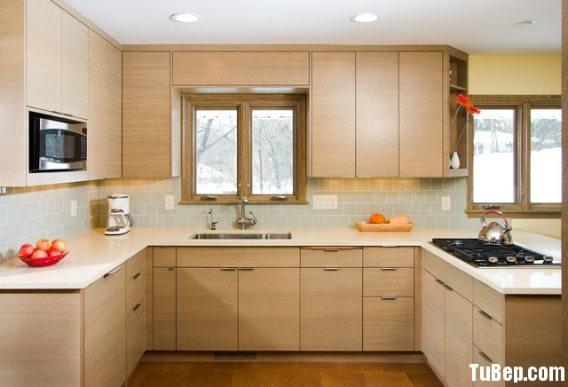 cee94307d220.jpg Tủ bếp gỗ Laminate chữ U màu vân gỗ nhạt TVT0875