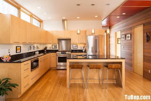 d5a9405f9448.jpg Tủ bếp gỗ Laminate chữ L màu vân gỗ nhạt có đảo TVT0880