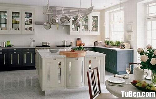 70f8b42f5cbep 4.jpg Tủ bếp gỗ tự nhiên sơn men trắng kết hợp xám chữ L có bàn đảo – TVB0921
