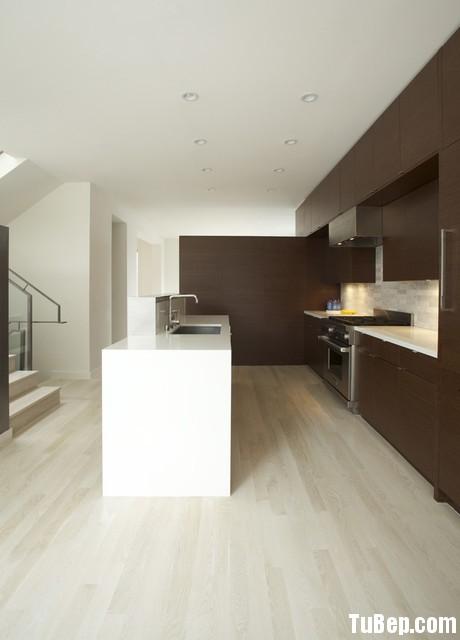 9b98c733b423.jpg Tủ bếp gỗ Laminate  hình chữ I màu vân gỗ đậm có đảo TVT0406