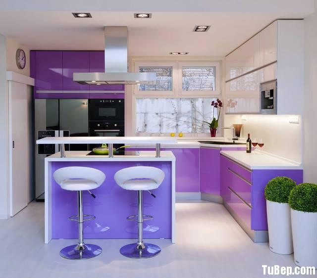 68c3d30e94lictim.jpg Tủ bếp Acrylic màu tím, chữ L có bàn đảo – TVB 1112