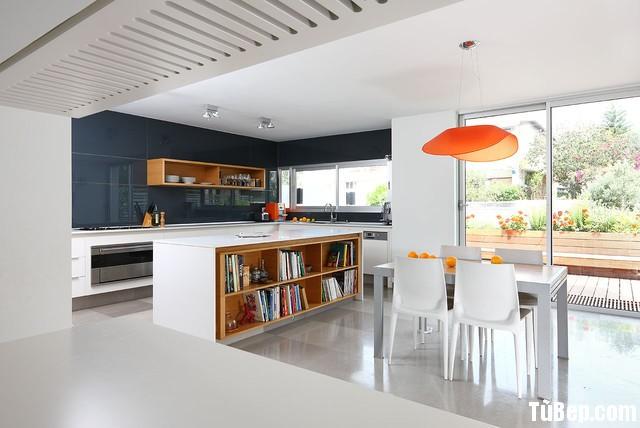 587fd57471207.jpg Tủ bếp gỗ Acrylic màu trắng hình chữ L có đảo TVT0527