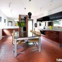 Tủ bếp gỗ Acrylic đen phối Laminate vân gỗ hình chữ I, có bàn đảo   TVB 1212