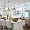 Tủ bếp gỗ tự nhiên sơn men trắng + bàn đảo – TVB636