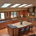 Tủ bếp gỗ Tần Bì kết hợp bàn đảo – TVB375