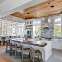 Tủ bếp gỗ tự nhiên sơn men – TVB292