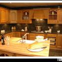 Tủ bếp gỗ Tần Bì tự nhiên có đảo – TVB687