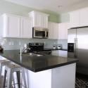 Tủ bếp gỗ sồi sơn men trắng chữ L   TVB1088