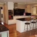 Tủ bếp Acrylic trắng chữ U   TVB784