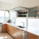 Tủ bếp gỗ Laminate màu vân gỗ phối trắng có bàn đảo   TVB0892