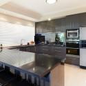 Tủ bếp Acrylic màu xám chữ U   TVB0939