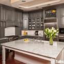 Tủ bếp gỗ Sồi tự nhiên sơn men trắng phối xám chữ L có bàn đảo   TVB0940