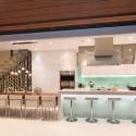 Tủ bếp gỗ MDF Acrylic có bàn đảo – TVB383