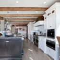 Tủ bếp gỗ tự nhiên – TVN1021