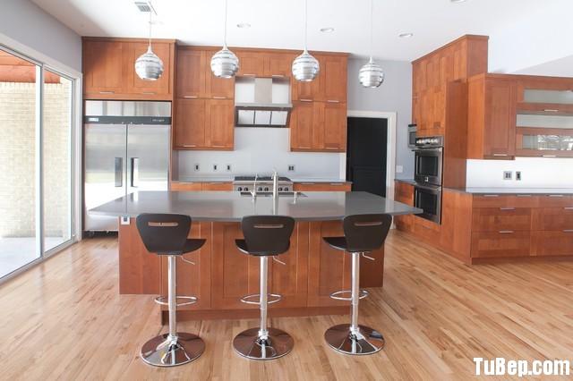 20d1bb2392đảo.jpg Tủ bếp gỗ Sồi tự nhiên hình chữ I có đảo – TVB 1201