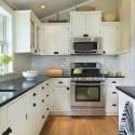 Tủ bếp gỗ tự nhiên Dổi sơn men – TVB320