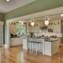 Tủ bếp gỗ tự nhiên sơn men trắng + bàn đảo – TVB517