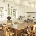 Tủ bếp gỗ tự nhiên Sồi sơn men kết hợp bàn đảo – TVB371