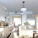 Tủ bếp gỗ tự nhiên sơn men trắng + bàn đảo – TVB297