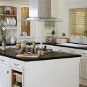 Tủ bếp gỗ sồi sơn men trắng chữ L   TVB766