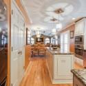 Tủ bếp gỗ tự nhiên – TVN1217