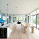 Tủ bếp gỗ Acrylic hình chữ I màu trắng có đảo TVB 1215