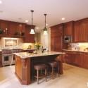 Tủ bếp gỗ tự nhiên Căm Xe kết hợp bàn đảo – TVB389