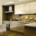 Tủ bếp Acrylic màu trắng sữa, chữ L   TVB 1109