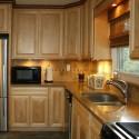 Tủ bếp gỗ tự nhiên Tần Bì – TVB416