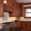 Tủ bếp gỗ tự nhiên Căm xe – TVB323