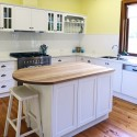 Tủ bếp gỗ xoan đào sơn men có đảo   TVB728