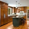 Tủ bếp gỗ tự nhiên Xoan Đào kết hợp bàn đảo – TVB487