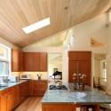 Tủ bếp gỗ tự nhiên Giáng Hương kết hợp bàn đảo – TVB340