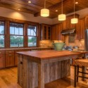 Tủ bếp gỗ tự nhiên Căm Xe – TVB339