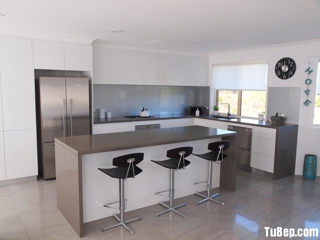 ce44e510d3o 5.12.jpg Tủ bếp gỗ Acrylic màu trắng hình chữ L có đảo – TVB 1166