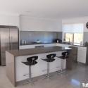 Tủ bếp gỗ Acrylic màu trắng hình chữ L có đảo   TVB 1166