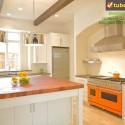 Tủ bếp gỗ tự nhiên – TVN1001
