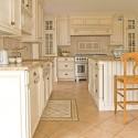 Tủ bếp gỗ tần bì sơn men trắng, chữ L, có bàn đảo   TVB 1140