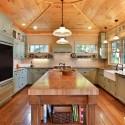 Tủ bếp gỗ xoan đào sơn men – TVB556