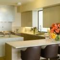 Tủ bếp gỗ Acrylic chữ U có đảo   TVB1132