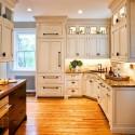 Tủ bếp gỗ tự nhiên sơn men trắng chữ L có bàn đảo   TVB0877