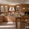 Khi thiết kế tủ bếp ta nên cân đối giữa diện tích khu bếp và chiều dài của tủ