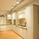 Tủ bếp gỗ Sồi sơn men trắng, chữ L   TVB 1060